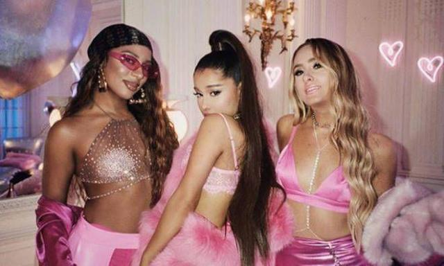 Ariana Grande - 7 rings (Official Video)
